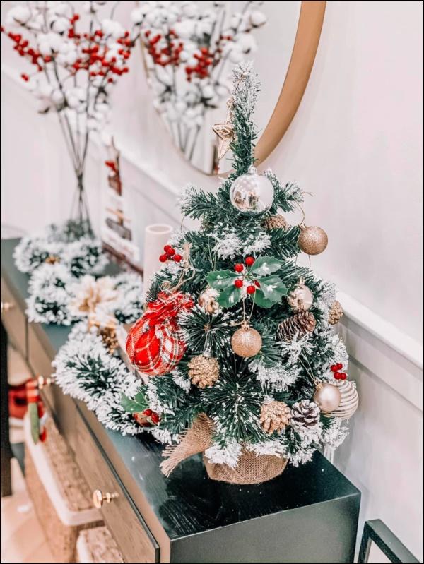 8 ý tưởng trang trí nhà cửa đẹp mê lycho ngày lễ Giáng sinh thêm an lành, ấm áp-14