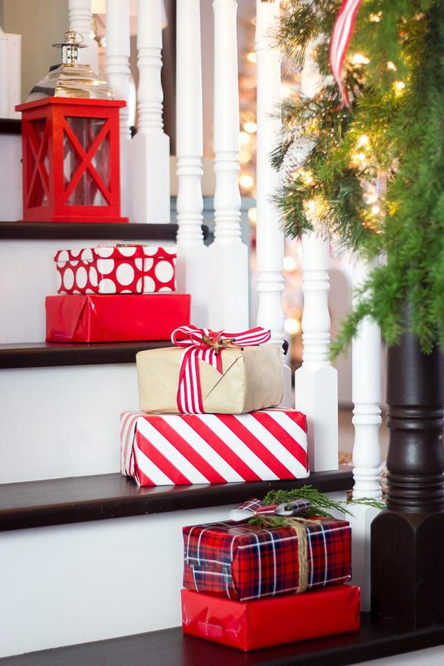 8 ý tưởng trang trí nhà cửa đẹp mê lycho ngày lễ Giáng sinh thêm an lành, ấm áp-7