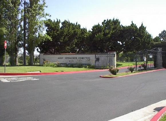 Địa điểm diễn ra tang lễ và chôn cất cố nghệ sĩ Chí Tài tại Mỹ-5