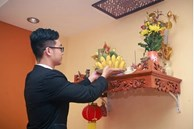 Cuối năm lau bàn thờ đừng dùng nước lã, làm theo cách này để tài lộc hanh thông, năm mới có phúc