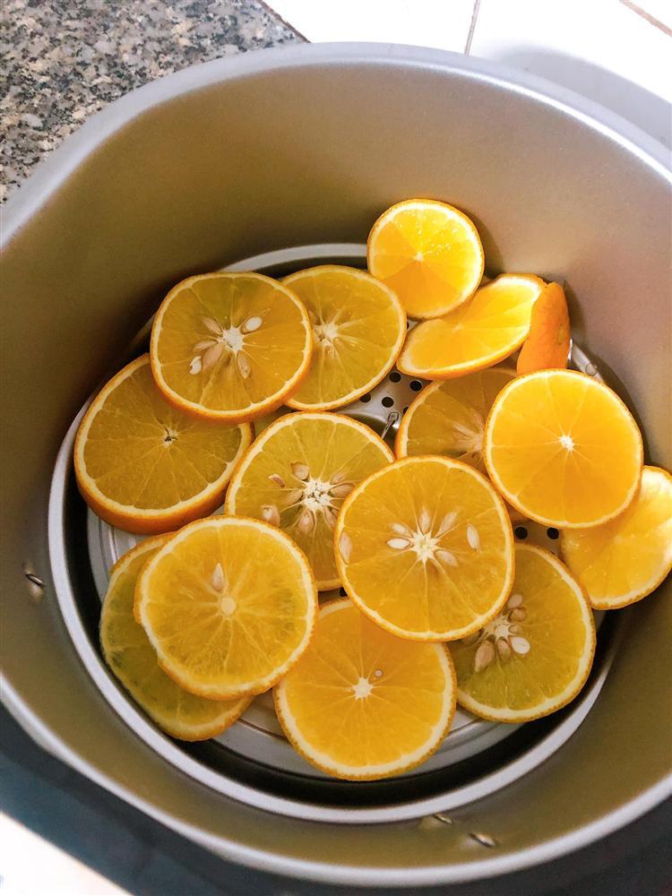 Làm trái cây sấy bằng nồi chiên không dầu siêu tiện, hội chị em dùng làm nước detox, uống trà và lại có thêm đồ decor cây thông Noel-11