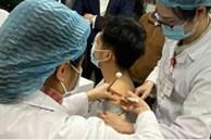 Thông tin mới về sức khỏe 3 người tình nguyện sau tiêm vắc-xin Covid-19