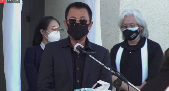 Rớt nước mắt với bài thơ Hoài Linh viết tặng cố nghệ sĩ Chí Tài trong tang lễ tại Mỹ-7