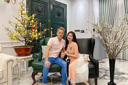 Có gì trong biệt thự 2 triệu đô của vợ chồng Đăng Khôi ở Quận 7?