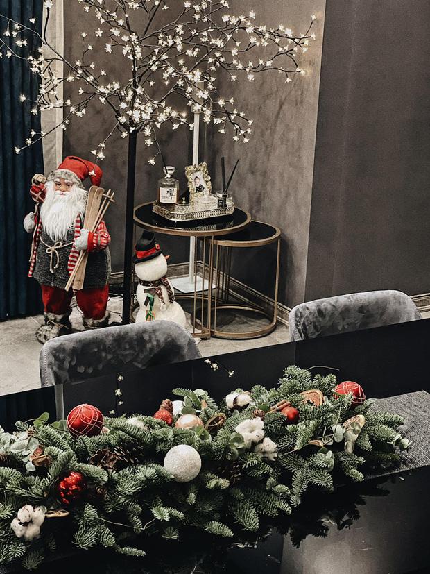 Trầm trồ trước màn khoe nhà dịp Giáng sinh của Á hậu Tú Anh, tông màu độc lạ tôn lên đẳng cấp khó ai bì-2