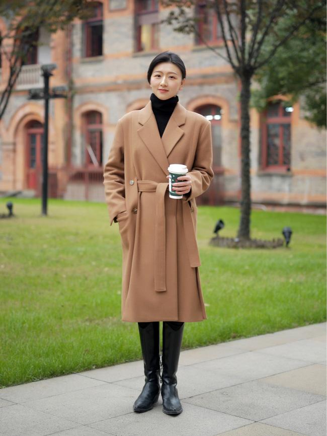 Street style Châu Á: Áo khoác dạ dáng dài phủ sóng, ngắm loạt 15 bức ảnh mà vỡ ra được bao nhiêu cách mix hay-3
