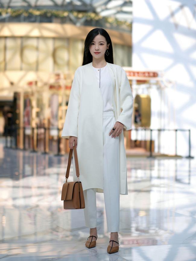 Street style Châu Á: Áo khoác dạ dáng dài phủ sóng, ngắm loạt 15 bức ảnh mà vỡ ra được bao nhiêu cách mix hay-5