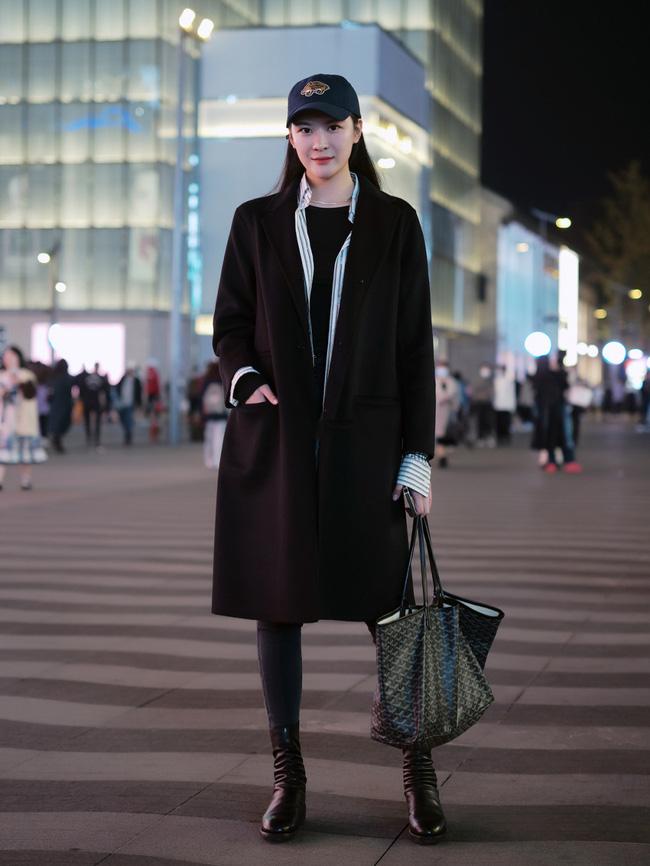 Street style Châu Á: Áo khoác dạ dáng dài phủ sóng, ngắm loạt 15 bức ảnh mà vỡ ra được bao nhiêu cách mix hay-9