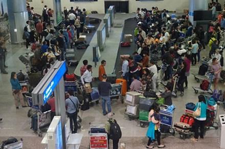 Khách nữ giật tóc, xô xát ngay tại băng chuyền sân bay Tân Sơn Nhất bị cấm bay