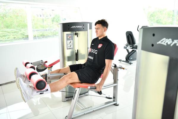 Văn Lâm xin nghỉ thi đấu trước trận thắng của Muangthong United-1