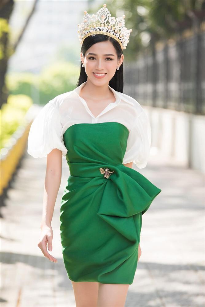 Đăng quang chưa lâu, HH Đỗ Thị Hà đã bị dí cho loạt váy áo kém đẹp vừa sến vừa lộ nhược điểm vóc dáng-7