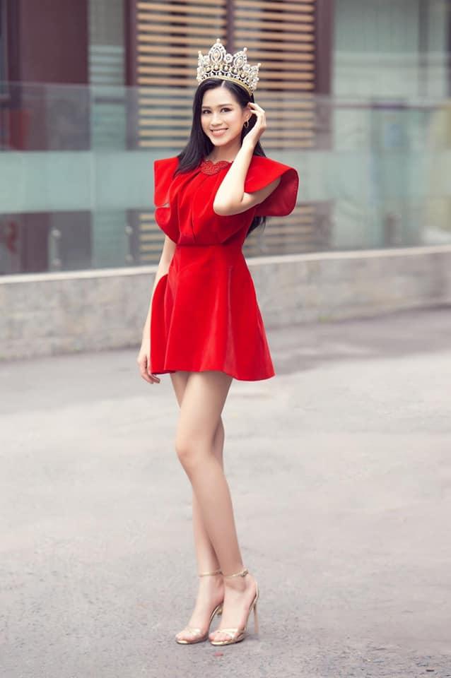 Đăng quang chưa lâu, HH Đỗ Thị Hà đã bị dí cho loạt váy áo kém đẹp vừa sến vừa lộ nhược điểm vóc dáng-11
