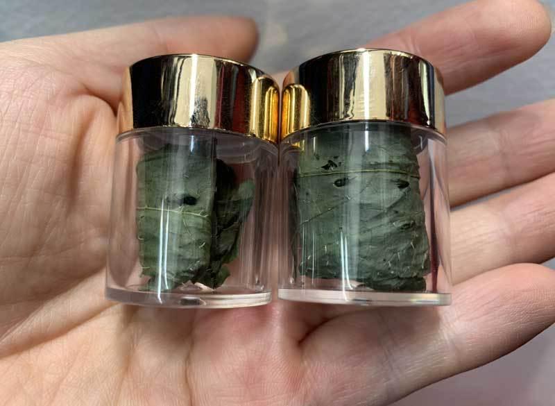 Tiết lộ về loại lá khô đắt đỏ nhất Việt Nam, giá bán cả trăm triệu/kg-1