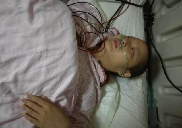 2 mẹ con tử vong sau 3 tháng phát hiện ung thư, bác sĩ nói thủ phạm chính là món cháo mà họ ăn hàng ngày-2