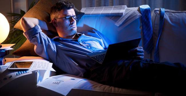 Thức khuya và làm thêm cả tuần, người phụ nữ suýt bị mù, tác hại của thức khuya nhiều hơn bạn nghĩ-3
