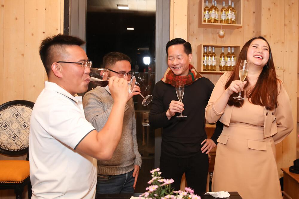 Giảm cân suýt thành công, Phan Như Thảo vẫn tự tin diện đầm bó sát-1
