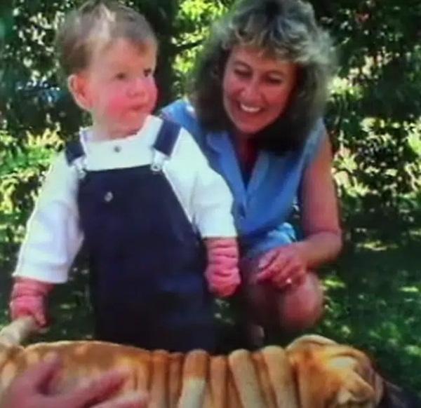 Chào đời với làn da nhăn nheo như một ông già, bé trai khiến bố mẹ sốc nặng, nhiều năm sau ai cũng choáng khi nhìn thấy hình hài đứa trẻ-4