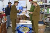 Gần 1 tấn thực phẩm đang phân hủy được mua về cấp đông để bán online