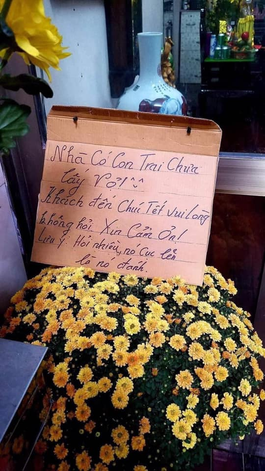 Tấm bảng lưu ý dành cho khách đến chúc Tết bỗng dưng nổi tiếng trên mạng xã hội khiến dân mạng hào hứng muốn check-in theo phong trào Tết văn minh-5