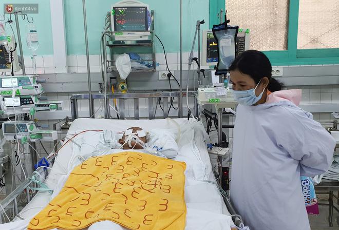Người mẹ có con trai 4 tuổi bị đâm xuyên mắt, xuất huyết não: Cha mới chết 4 tháng, giờ con làm sao em không sống nổi-3