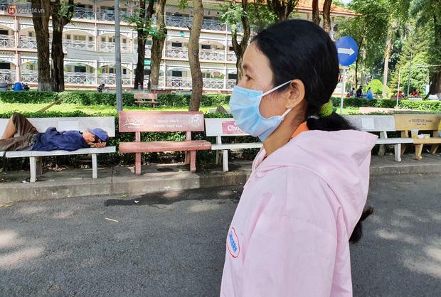 Người mẹ có con trai 4 tuổi bị đâm xuyên mắt, xuất huyết não: Cha mới chết 4 tháng, giờ con làm sao em không sống nổi-14