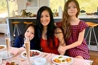 Cặp nhóc tỳ sinh đôi của Hồng Nhung: 8 tuổi thạo 3 thứ tiếng, được cho học toàn môn thượng lưu, xem học phí mỗi năm mà choáng