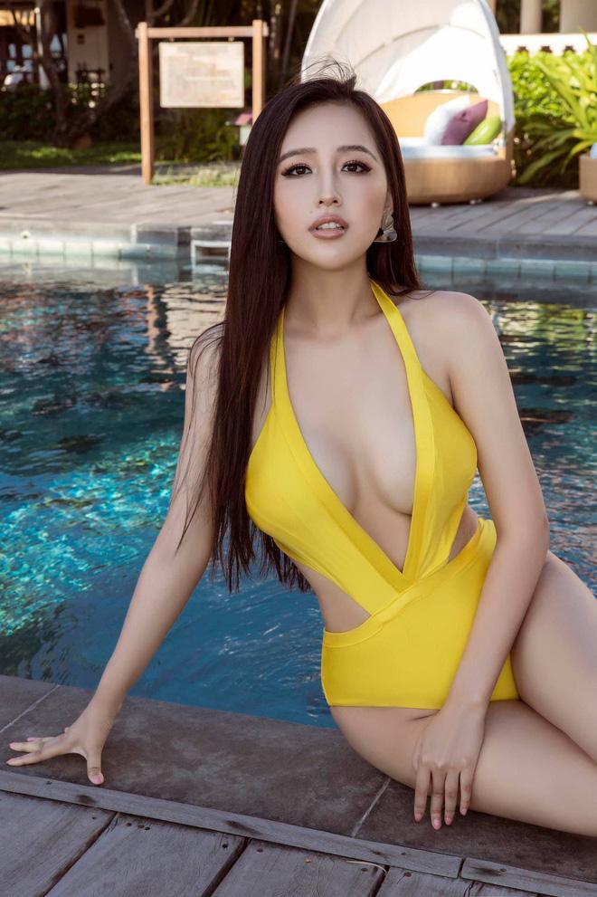 """Hậu bị chỉ trích vì ăn mặc phản cảm, Mai Phương Thuý có pha bẻ lái"""" xoay 180 độ gây ngỡ ngàng!-7"""