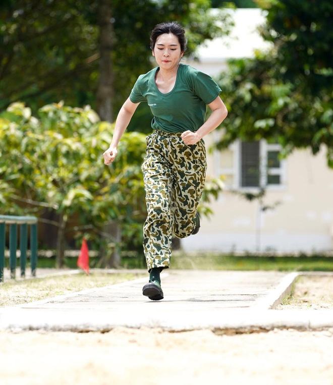 Tiếp tục bị ném đá vì quá công chúa tại Sao Nhập Ngũ, Khánh Vân có hành động bất ngờ trên Instagram-4