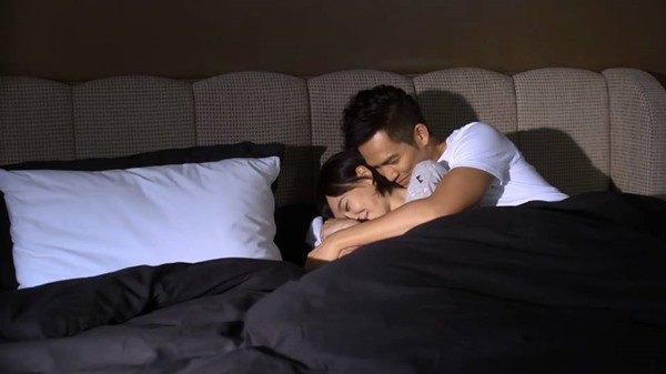 Quyết ly hôn cô vợ nằm liệt giường, vợ xin một đêm cuối mà sáng ra tôi xé đơn ngay-1