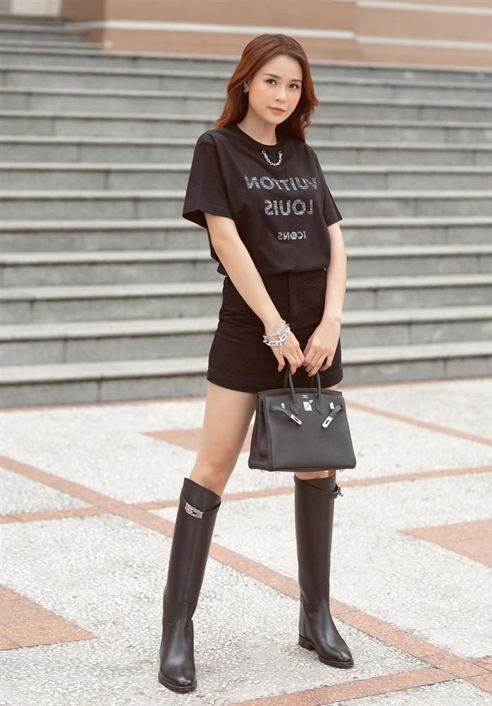 Đây là 4 mẫu chân váy tủ của các mỹ nhân Việt, chị em sắm theo thì sẽ mặc đẹp và sang mọi lúc mọi nơi-11