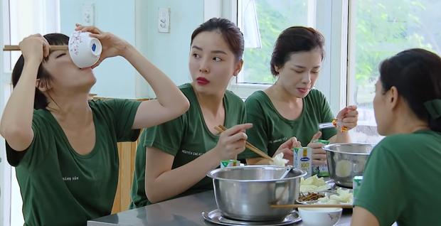 Khánh Vân bị cư dân mạng chỉ trích, hội chị em Sao nhập ngũ lập tức lên tiếng bênh vực-1
