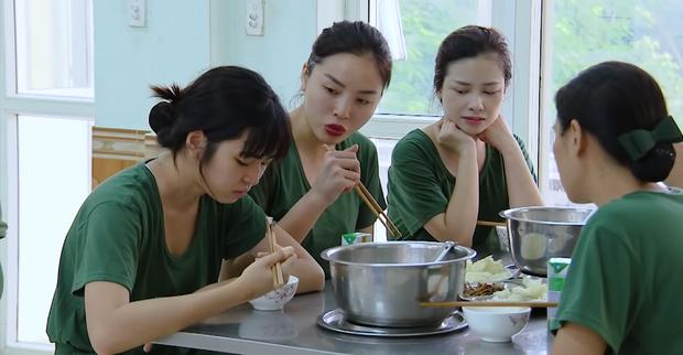 Khánh Vân bị cư dân mạng chỉ trích, hội chị em Sao nhập ngũ lập tức lên tiếng bênh vực-2