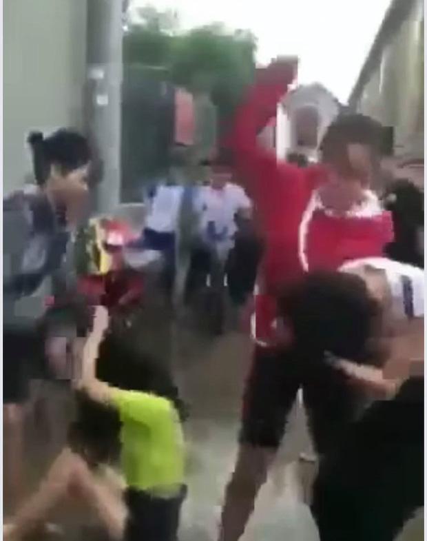 Sốc với lý do 2 thiếu nữ 14 tuổi đánh dã man nữ sinh ở Đồng Nai-1