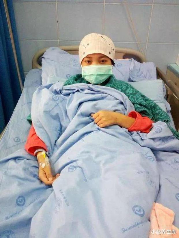 Thường xuyên ăn thức ăn để qua đêm, cô gái 28 tuổi phát hiện bị ung thư gan-1