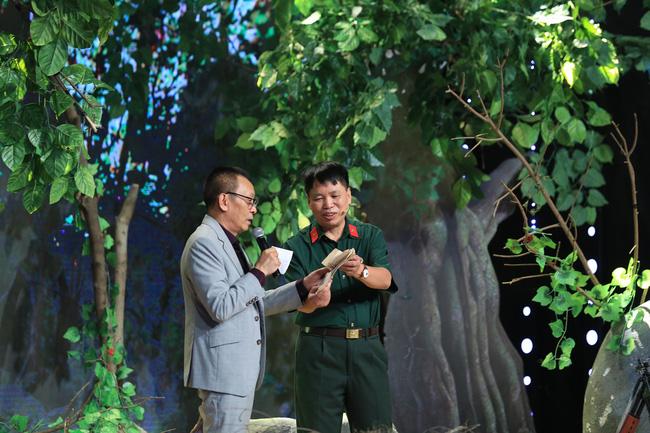 Ký ức vui vẻ: BTV Quang Minh xuất hiện, khiến Lại Văn Sâm lặng người vì câu chuyện về lá thư kỳ lạ-3