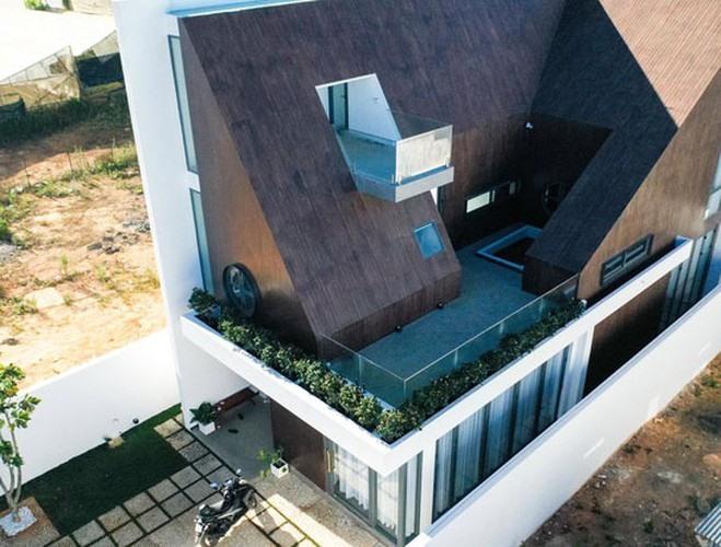 Cận cảnh căn biệt thự siêu sang, thiết kế 90% bằng gỗ của Tóc Tiên ở Đà Lạt-2