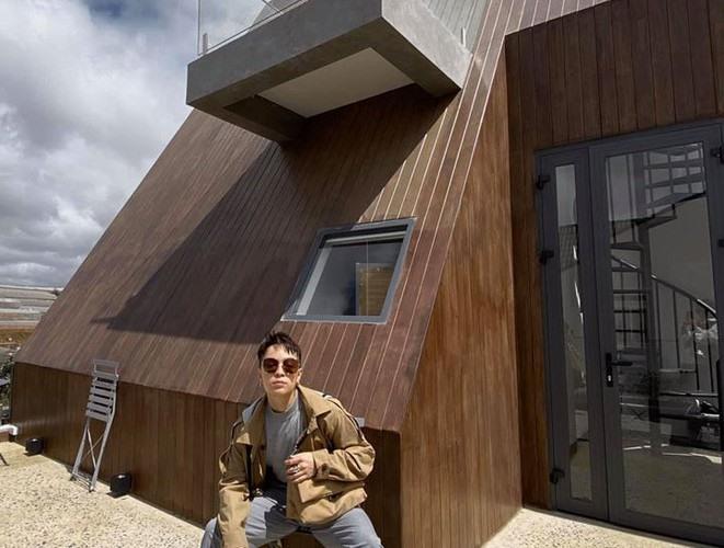 Cận cảnh căn biệt thự siêu sang, thiết kế 90% bằng gỗ của Tóc Tiên ở Đà Lạt-5