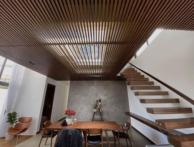 Cận cảnh căn biệt thự siêu sang, thiết kế 90% bằng gỗ của Tóc Tiên ở Đà Lạt-10