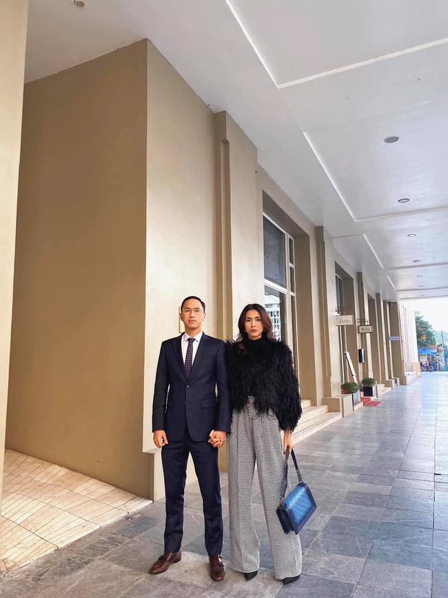"""Khoảnh khắc do người qua đường"""" quay lén hé lộ tình cảm thực sự của vợ chồng Tăng Thanh Hà - Louis Nguyễn-3"""