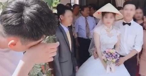 """Người yêu cũ đến dự đám cưới và những hành động phá bĩnh oái oăm, bảo sao cứ bị gọi là cái gì đó rất hãm""""-1"""