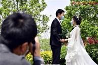 Đi du lịch trăng mật kết hợp chụp ảnh cưới, cặp tình nhân gặp thảm cảnh khiến 1 người chết 1 người bị thương, danh tính thủ phạm gây phẫn nộ