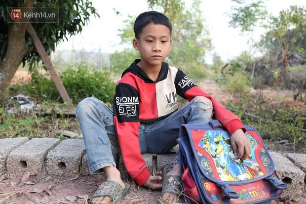 """Người cha một mắt, một tay"""" chật vật nuôi 3 đứa con thơ: Mình ít học nên thiệt thòi rồi, giờ bằng mọi giá sẽ cho các con đi học đầy đủ""""-5"""