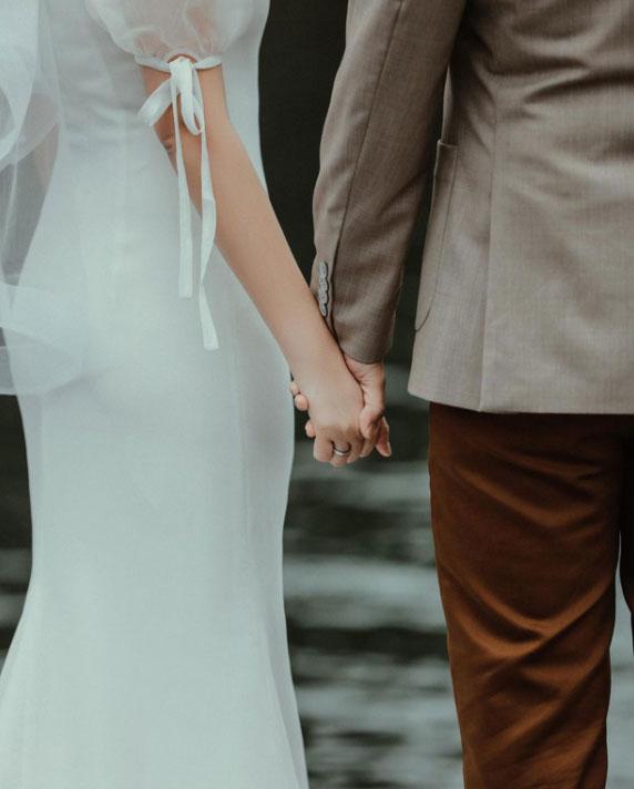 Primmy Trương nhá hàng ảnh cưới, zoom cận chiếc bụng phẳng lì giữa tin đồn mang thai-1