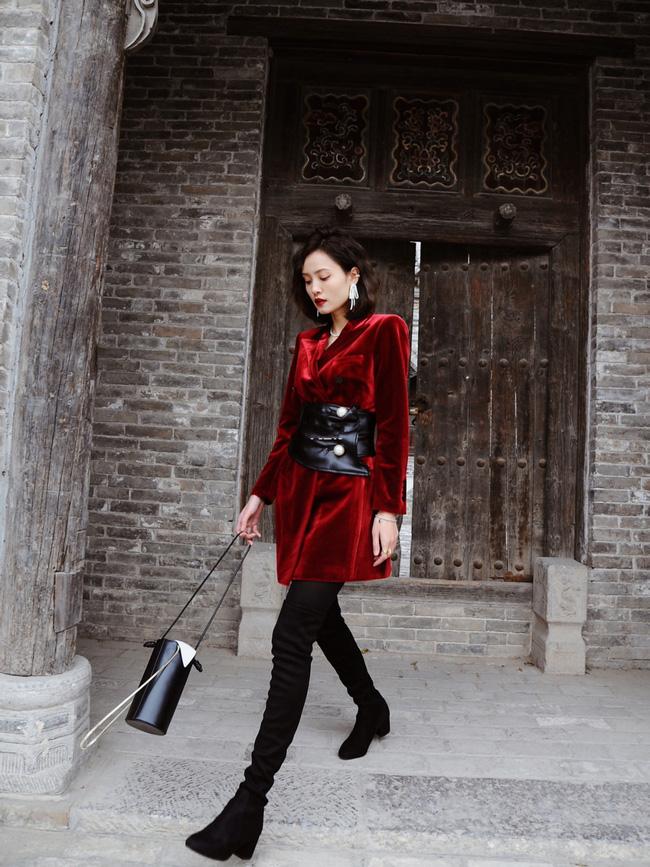 Street style trước thềm đi đón Giao thừa của các quý cô Châu Á: Dù trời lạnh vẫn mặc đẹp bất chấp-1