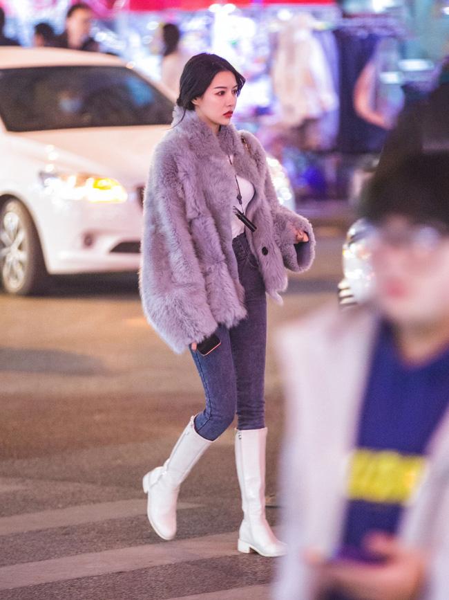 Street style trước thềm đi đón Giao thừa của các quý cô Châu Á: Dù trời lạnh vẫn mặc đẹp bất chấp-10