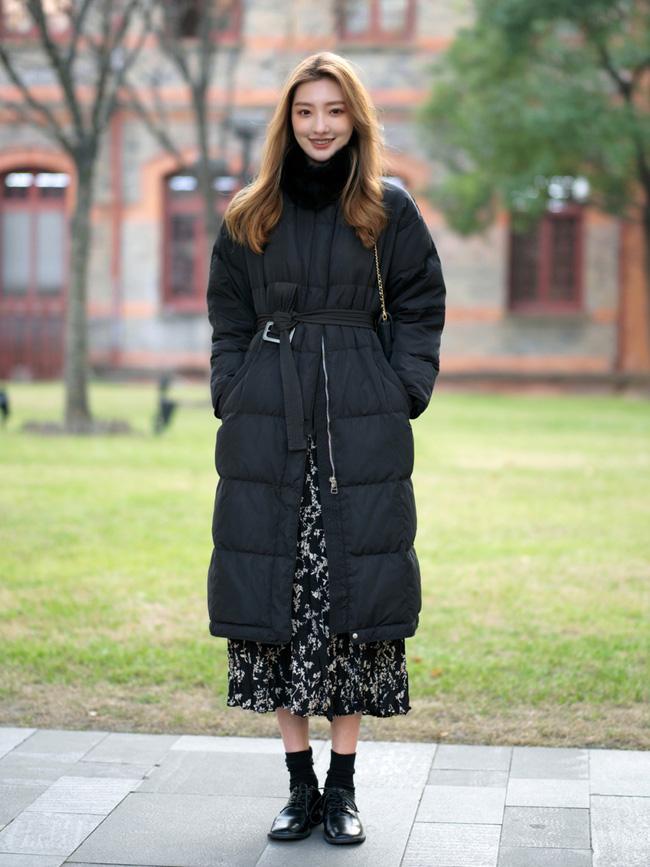 Street style trước thềm đi đón Giao thừa của các quý cô Châu Á: Dù trời lạnh vẫn mặc đẹp bất chấp-5