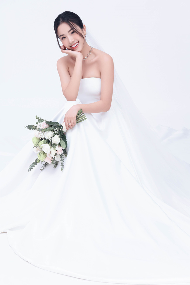 Á hậu Thúy An chính thức tung ảnh cưới đẹp như mơ cùng chồng tiến sĩ, công bố ngày lên xe hoa-1