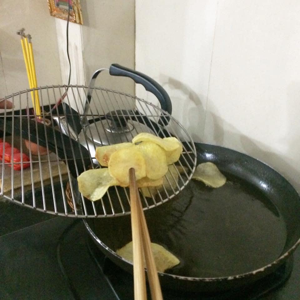 Hóa ra bí kíp làm snack khoai tây chiên phô mai giòn rụm ngon khó cưỡng lại là thứ nguyên liệu mà nhà ai cũng có-8