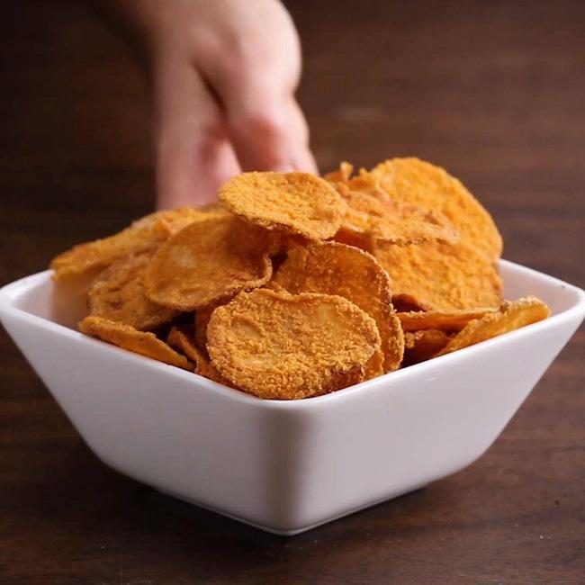 Hóa ra bí kíp làm snack khoai tây chiên phô mai giòn rụm ngon khó cưỡng lại là thứ nguyên liệu mà nhà ai cũng có-14