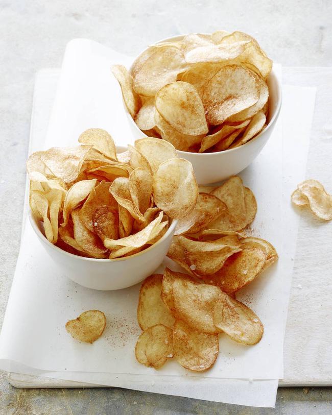 Hóa ra bí kíp làm snack khoai tây chiên phô mai giòn rụm ngon khó cưỡng lại là thứ nguyên liệu mà nhà ai cũng có-12